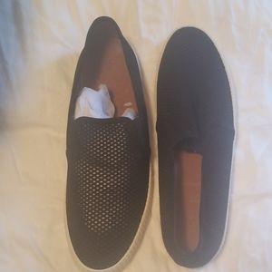 Frye mesh black with white trim slip on sneaker